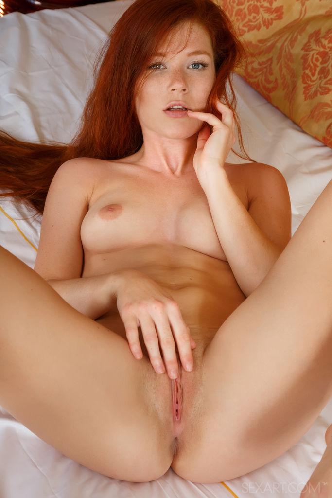 Hot redhead dildo porn