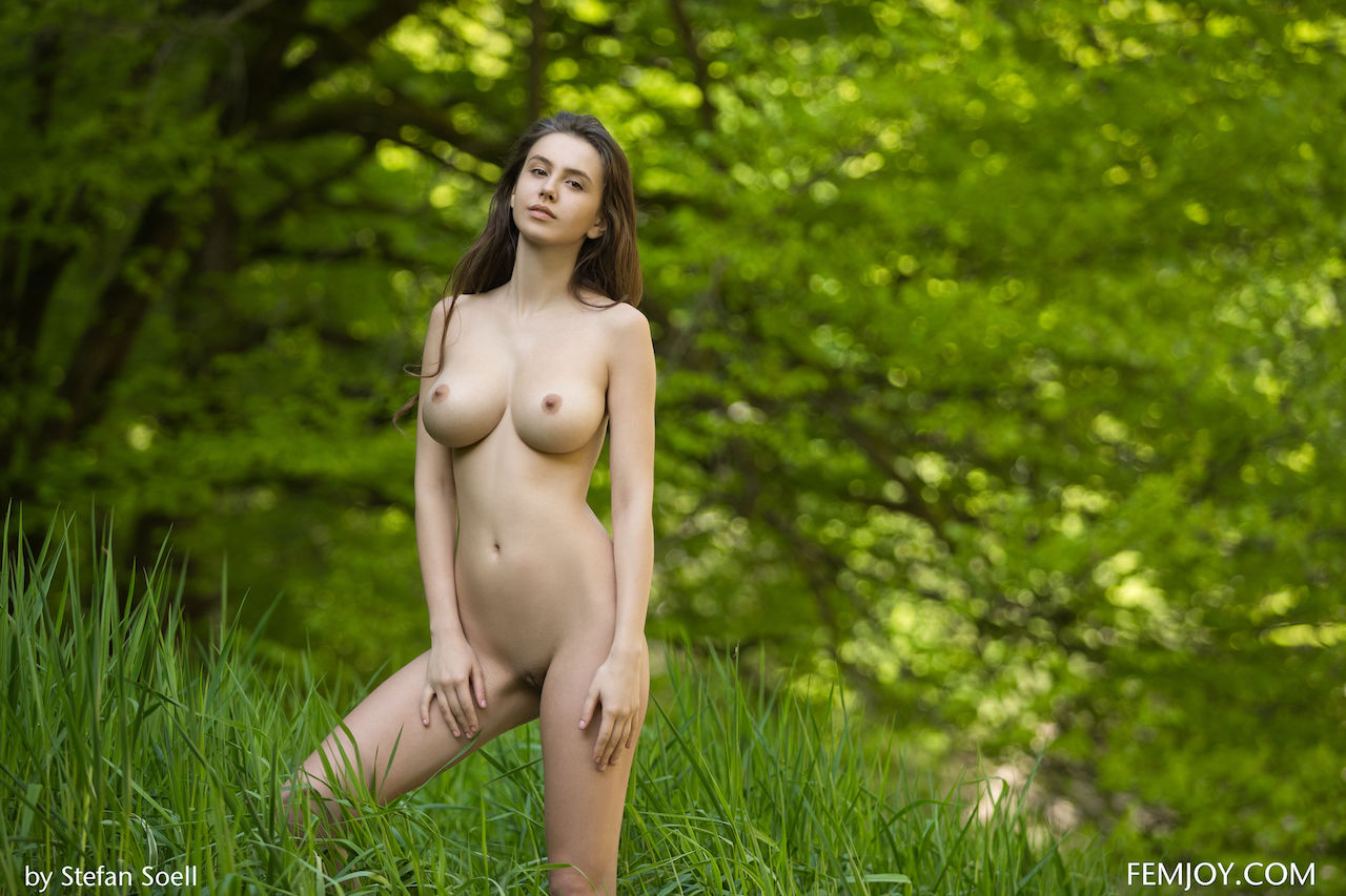 Juicy Alisa I Nude By The River Enjoy Nature - Silky -9494