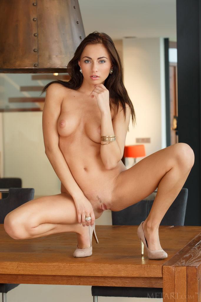 Michaela Isizzu Nude
