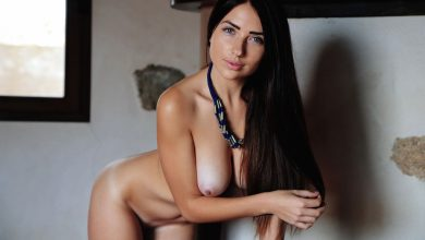 Photo of Stunning brunette Niemira Stripping (OYO)