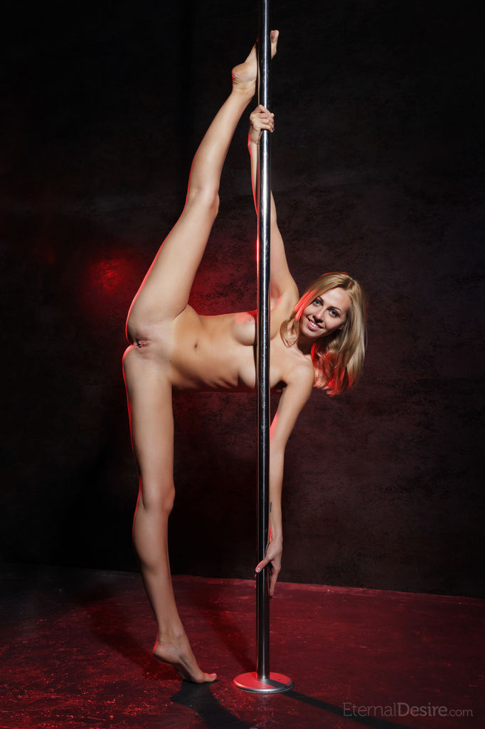 Lija Pole Dancing Totally Naked Pole - Silky Nude Babes-4573