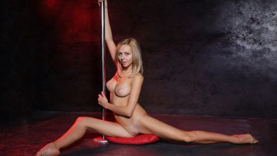 Photo of Lija Pole Dancing Totally Naked (Pole)