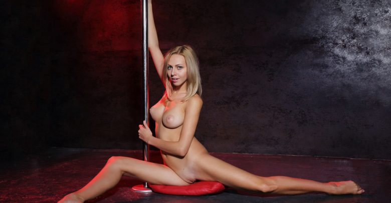 Lija Pole Dancing Totally Naked - Eternal Desire