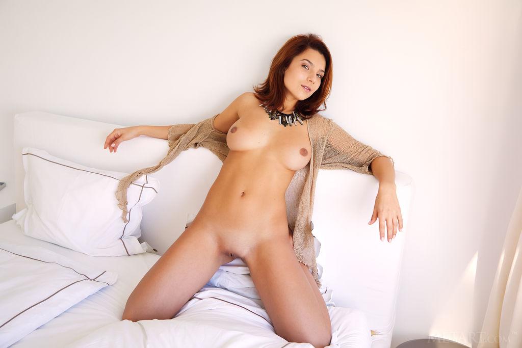 Erotic nude selfie pantys
